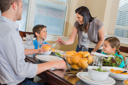 How to Keep a Busy Family Gathered at the Dinner Table